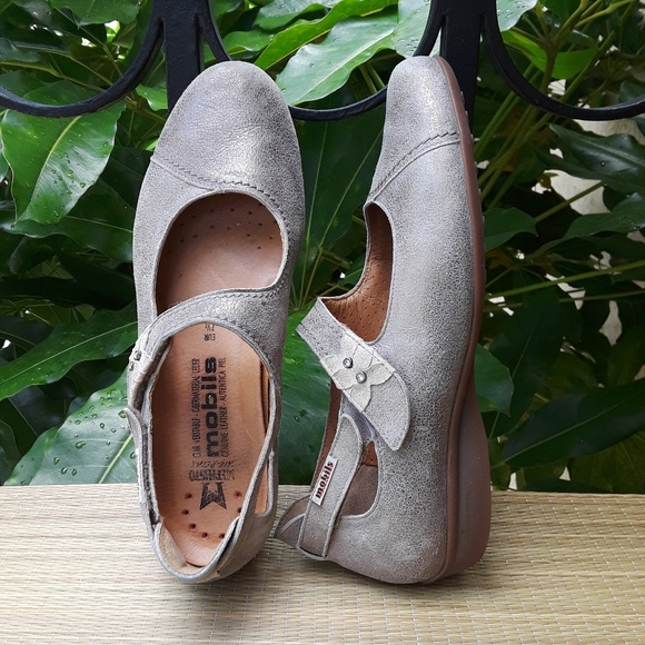 2ac49a5f3ad Mephisto Mobils Fleur Leather Ballerina Flats 10. M_5b74acb75c44521a07613c16